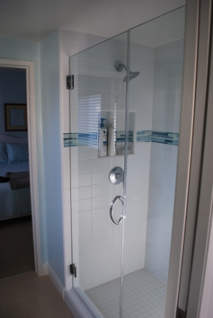 1/2 frameless door and panel